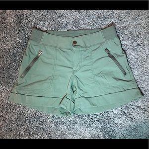 Athleta Shorts Trekkie Shortie Size 4 Jasper Green